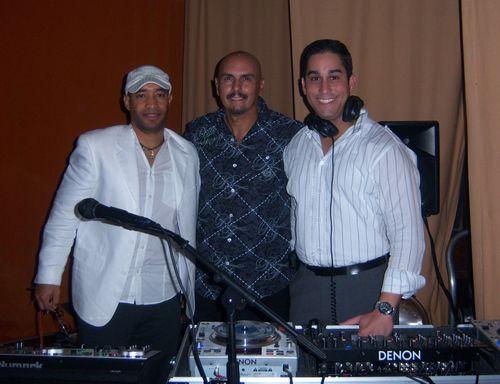 DJs La Maquina JAM and Frankie